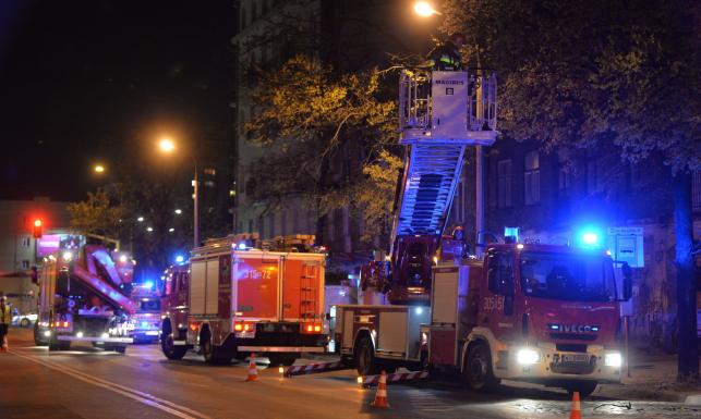 Zawaliła się kamienica na warszawskiej Pradze przy ul. Wileńskiej [ZDJĘCIA]