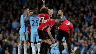 Marouane Fellaini ukarany czerwoną kartką
