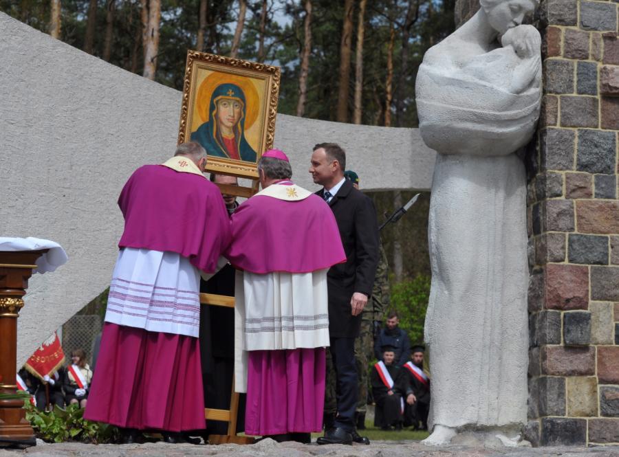 Prezydent Andrzej Duda w Starych Łysogórkach