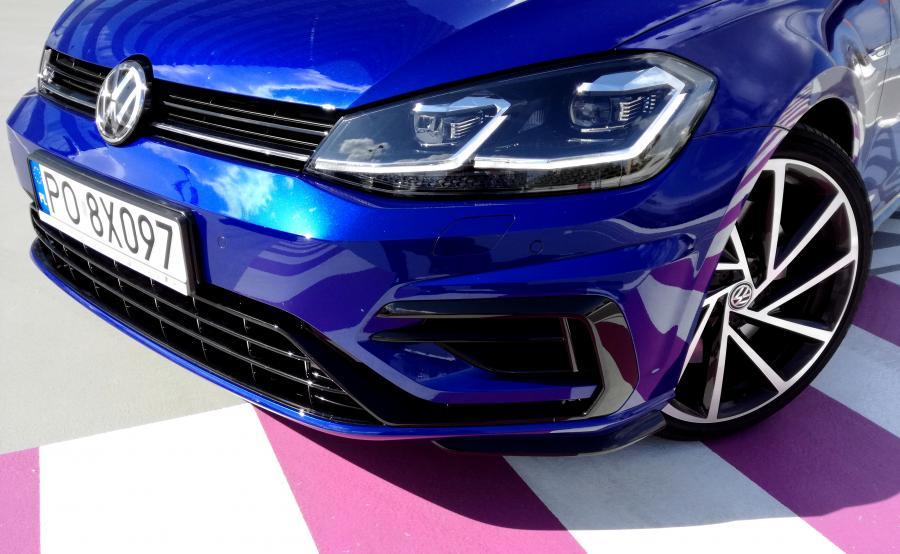 Najchętniej kupowanym modelem Volkswagena pozostaje golf, którego liczba rejestracji wzrosła o 18,2 procenta po sześciu miesiącach 2017 roku