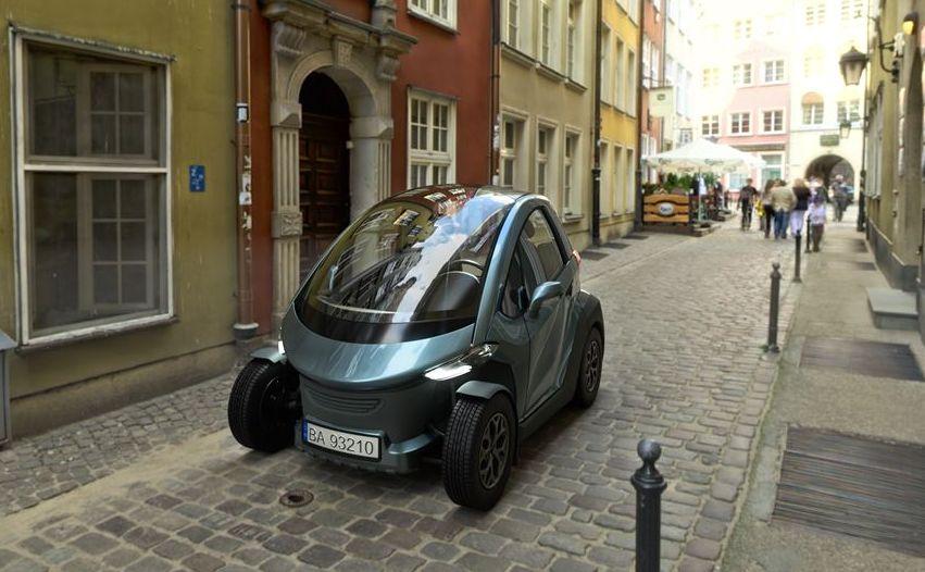 Andrzej Bożek chce by polski samochód elektryczny przypominał... renault twizy