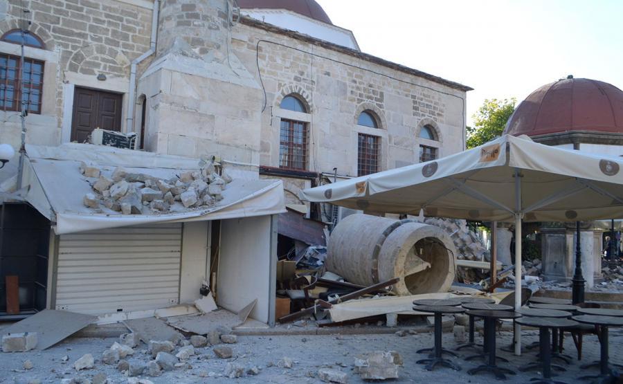 Zniszczenia po trzęsieniu ziemi na Kos