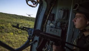 Helikopter ukraiński na patrolu w obwodzie donieckim