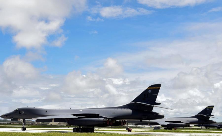 Amerykańskie bombowce na wyspie Guam
