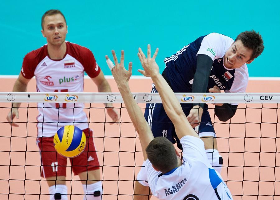Polacy Michał Kubiak (P) i Paweł Zatorski (L) oraz Andri Aganits z Estonii
