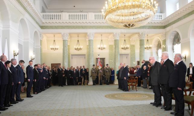 Ks. Bernard Czernecki, Franciszek Pieczka i Andrzej Pityński odznaczeni przez prezydenta Orderem Orła Białego. ZDJĘCIA