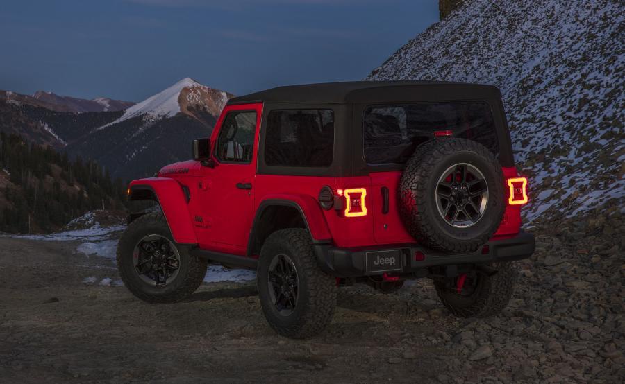 Jeep Wrangler nowej generacji to 75 aktywnych i pasywnych funkcji bezpieczeństwa i ochrony