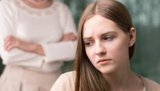 Smutna nastolatka