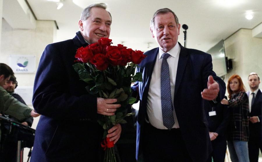 Były minister Jan Szyszko przekazuje obowiązki Henrykowi Kowalczykowi