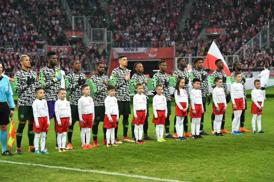 Piłkarska reprezentacja Nigerii przed rozpoczęciem towarzyskiego meczu z Polską