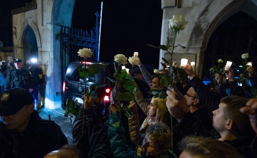 protest przeciwników ekshumacji