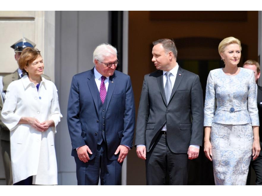 Elke Büdenbender i Frank-Walter Steinmeier oraz Andrzej Duda i Agata Kornhasuer-Duda