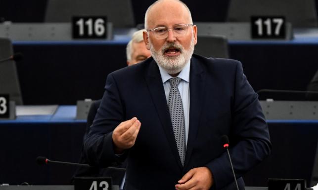 Trwa debata na temat praworządności w Polsce. Timmermans pomylił Warszawę z Moskwą