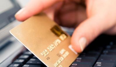 Coraz więcej kradzieży pieniędzy z kont