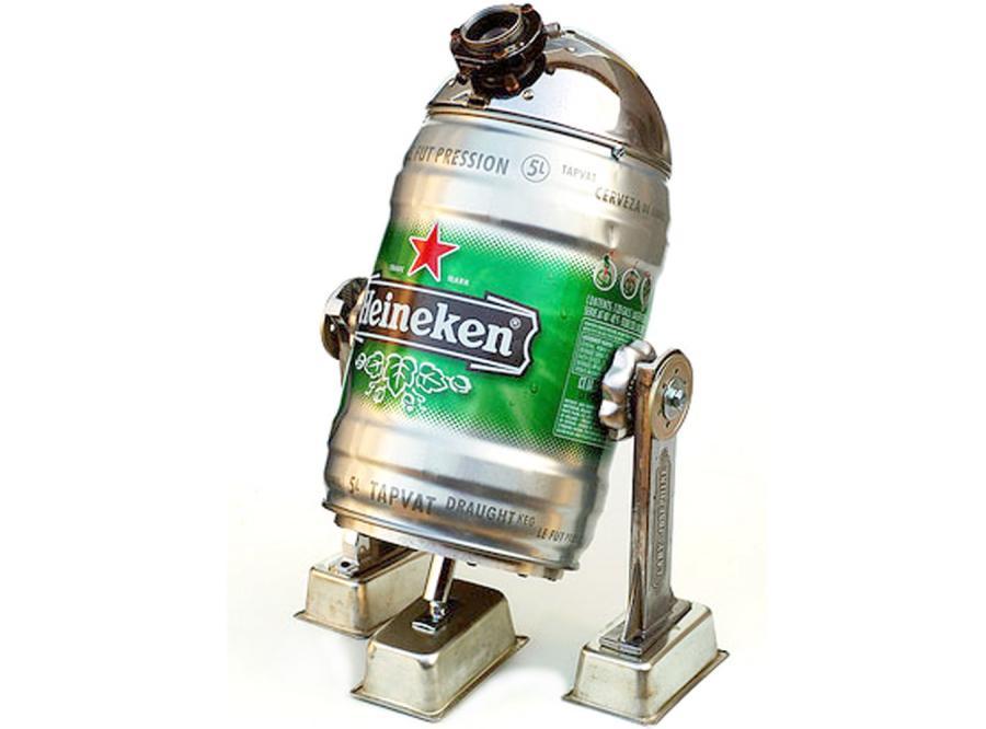 Ten robot zawsze doleje ci piwa