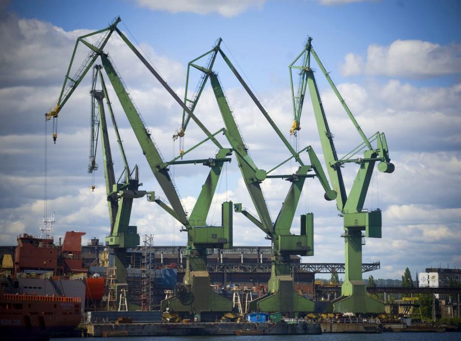 Rząd dołożył do sprzedaży stoczni 450 milionów