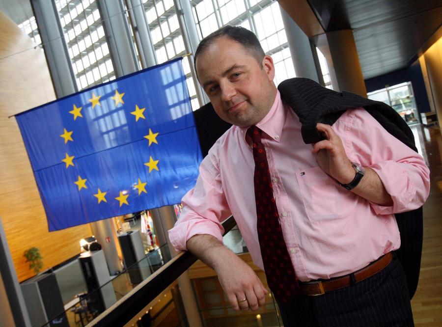 Szymański: Traktat pogłębi unijne patologie