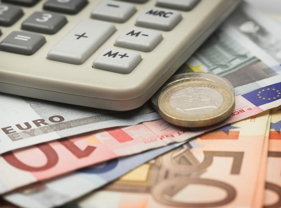 Rząd potajemnie negocjuje wprowadzenie euro