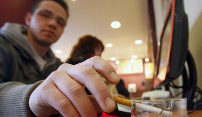 Unia zakaże palenia papierosów?