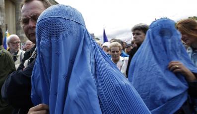 Kara chłosty za noszenie spodni. Protest kobiet w Sudanie.
