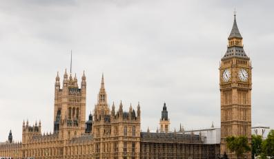 Alarm w Londynie. Policja dostała ostrzeżenie o bombie podłożonej przez radykałów z Ulsteru