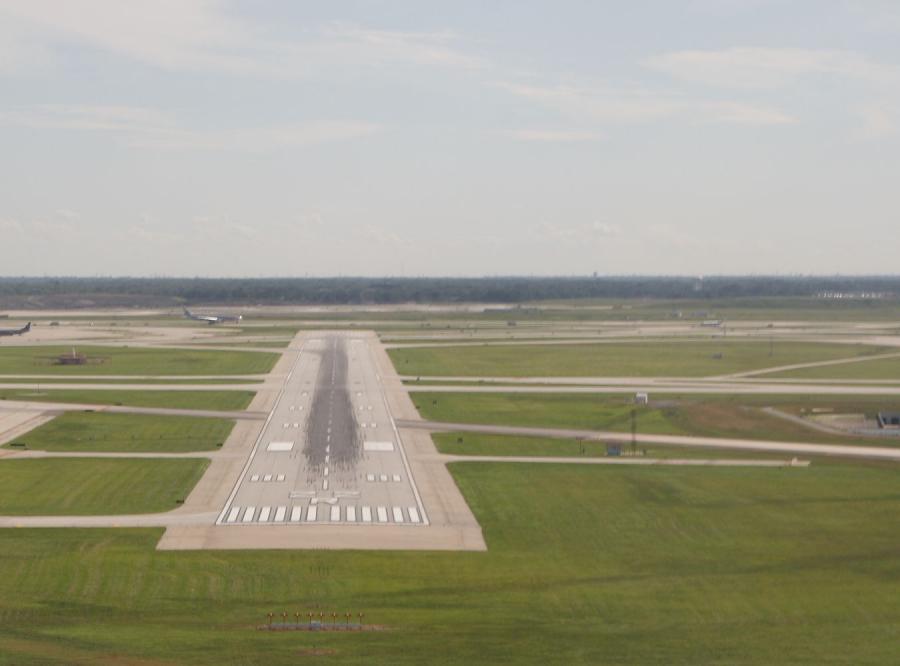 Lotnisko tylko dla urzędników. Za publiczne pieniądze