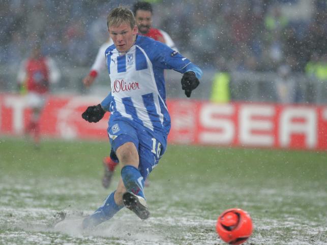 Artjoms Rudnevs strzela gola dla Lecha