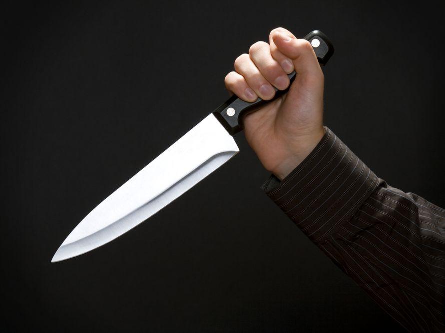 Atak nożem - zdjęcie ilustracyjne