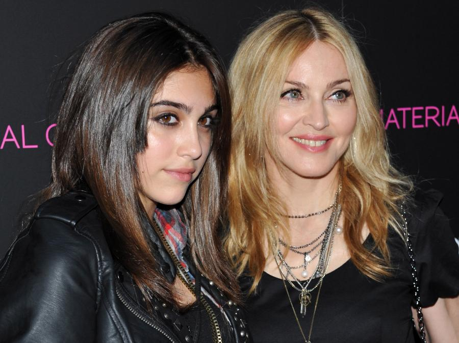 Jak siostry – Madonna i Lourdes