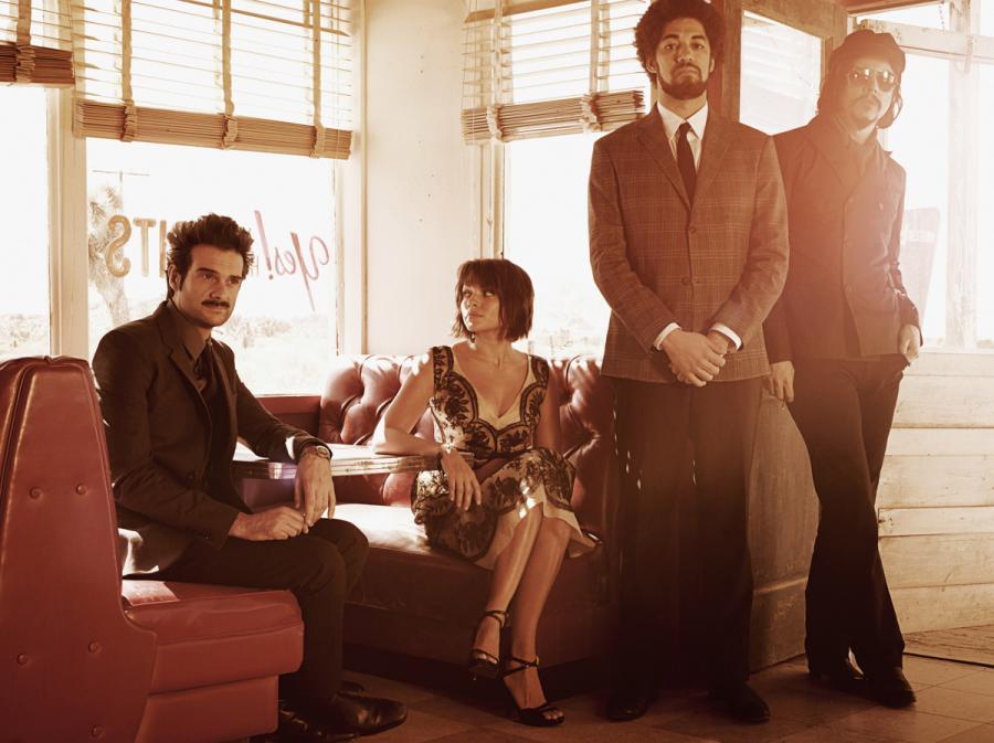 Danger Mouse, Daniele Luppi i ich muzyczni goście