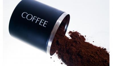 Filiżanka kawy parzonej zawiera 85 mg kofeiny