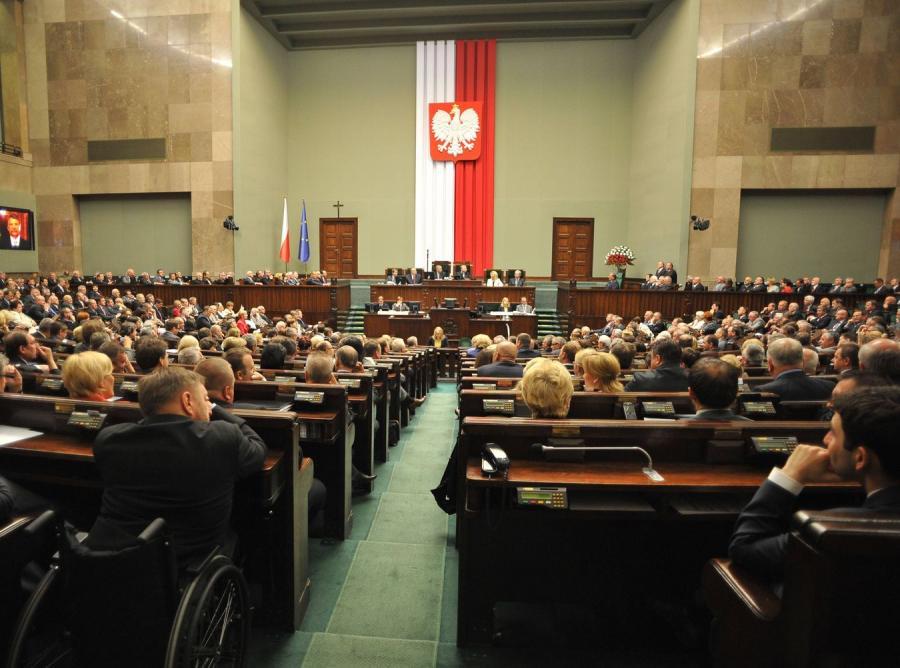 Polacy zastąpili posłów. Sam piszą ustawy