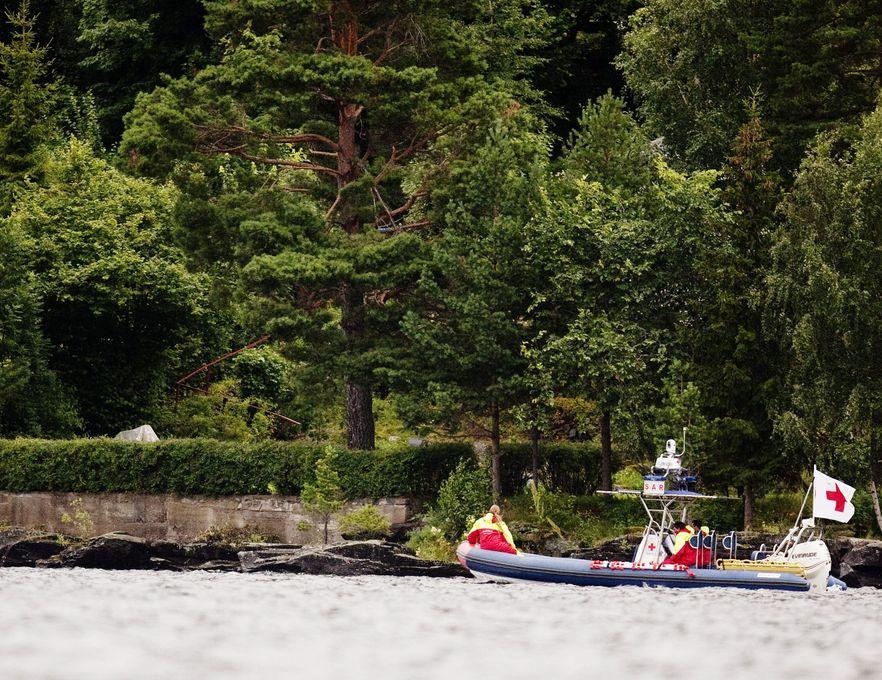 Zabójca na wyspie Utoya strzelał przez półtorej godziny