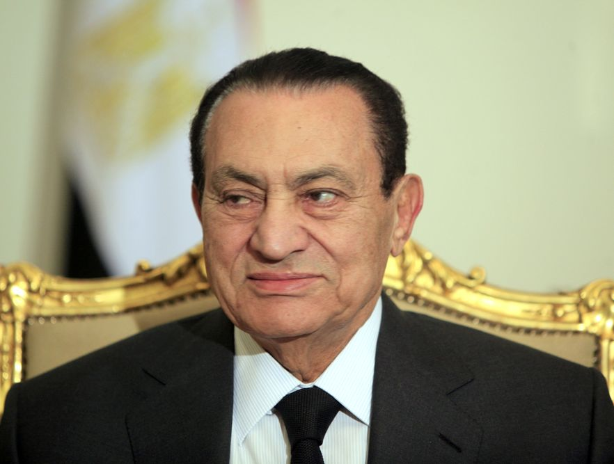 Mubarak w szpitalu odmawia jedzenia, jest osłabiony