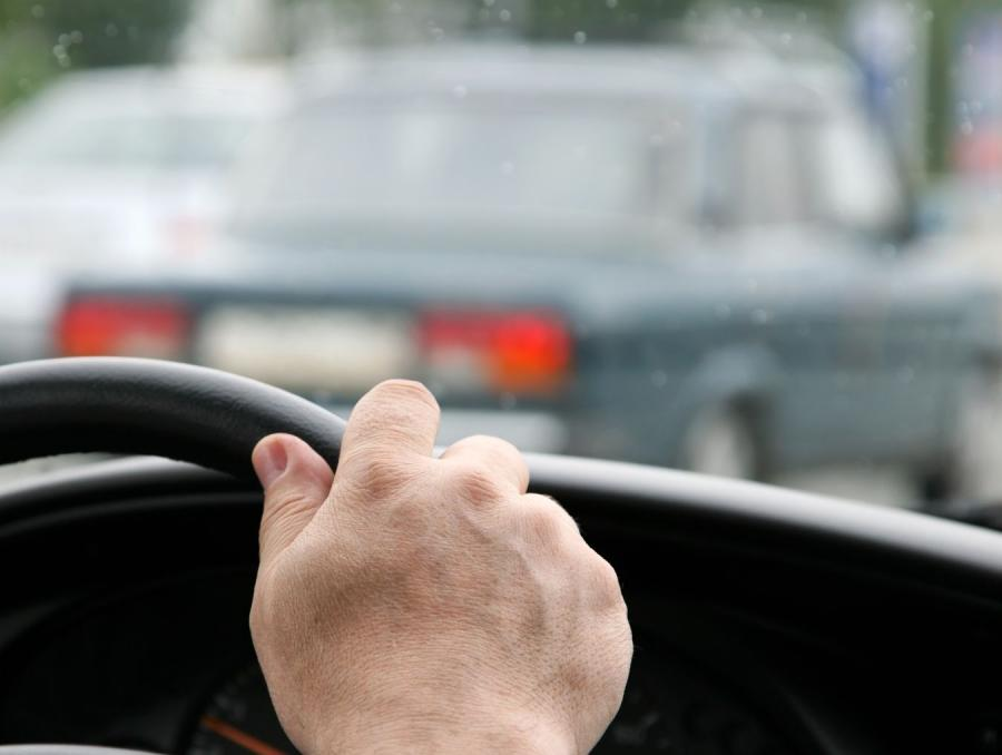 Ręka na kierownicy