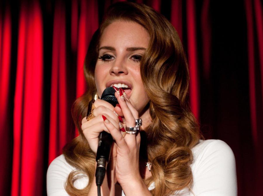 Lana Del Rey właśnie sięnarodziła