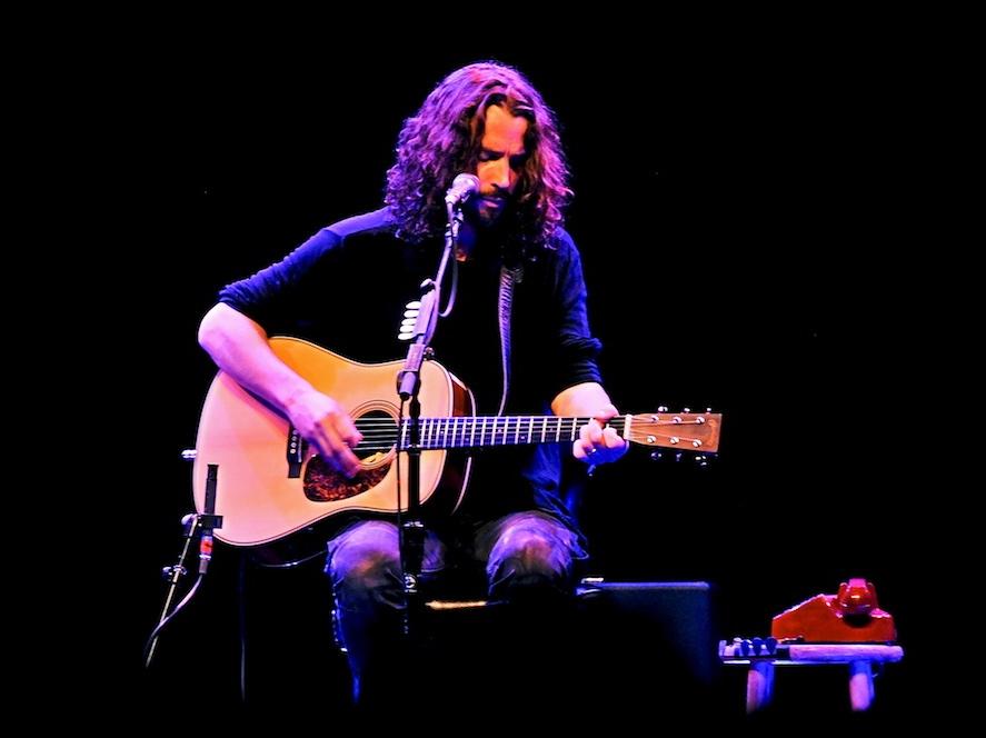Wokalista Soundgarden ponownie gra solo