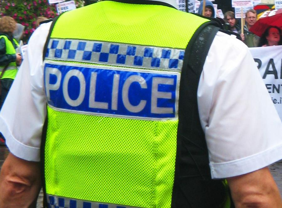 Plecy policjanta