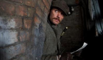 Jude Law jako Watson