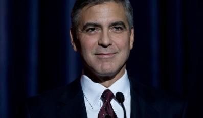 George Clooney jako Gubernator Mike Morris