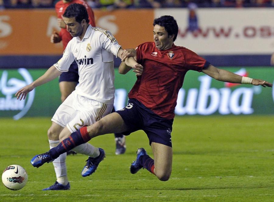 Javad Nekounam i Gonzalo Higuain