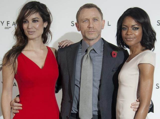 Bérénice Marlohe, Naomie Harris i Daniel Craig