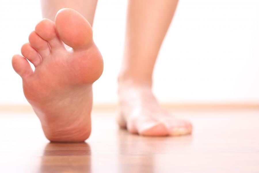 Większa stopa - dłuższa i szersza