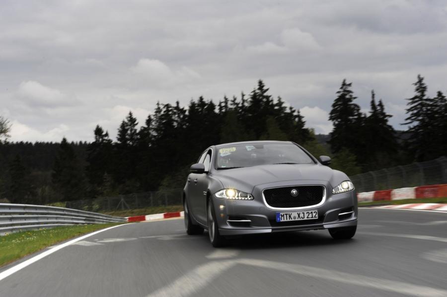 Jaguar wprowadza model XJ Supersport z pakietem Sport and Speed jako \