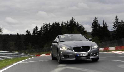 """Jaguar wprowadza model XJ Supersport z pakietem Sport and Speed jako """"Ring-taxi"""" na niemieckim torze w Nürburgring"""