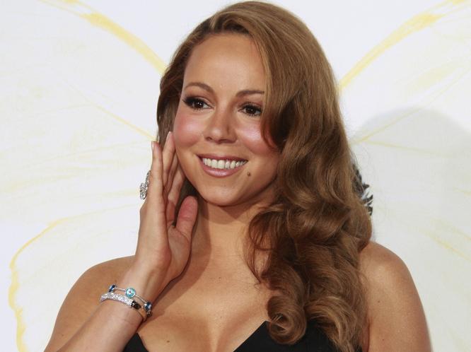 Mariah Carey śpiewa \