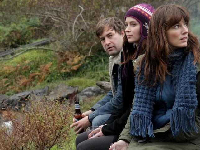 "Emily Blunt, Rosemarie DeWitt i Mark Duplass w filmie ""Siostra twojej siostry"""