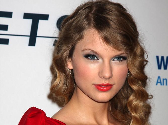 Taylor Swift wydaje płytę\