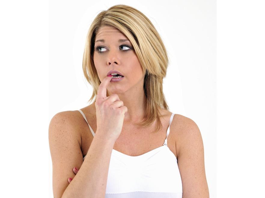 Wkładanie palców do ust