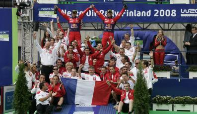 Historyczne zwycięstwo - Loeb wreszcie pierwszy w Finlandii